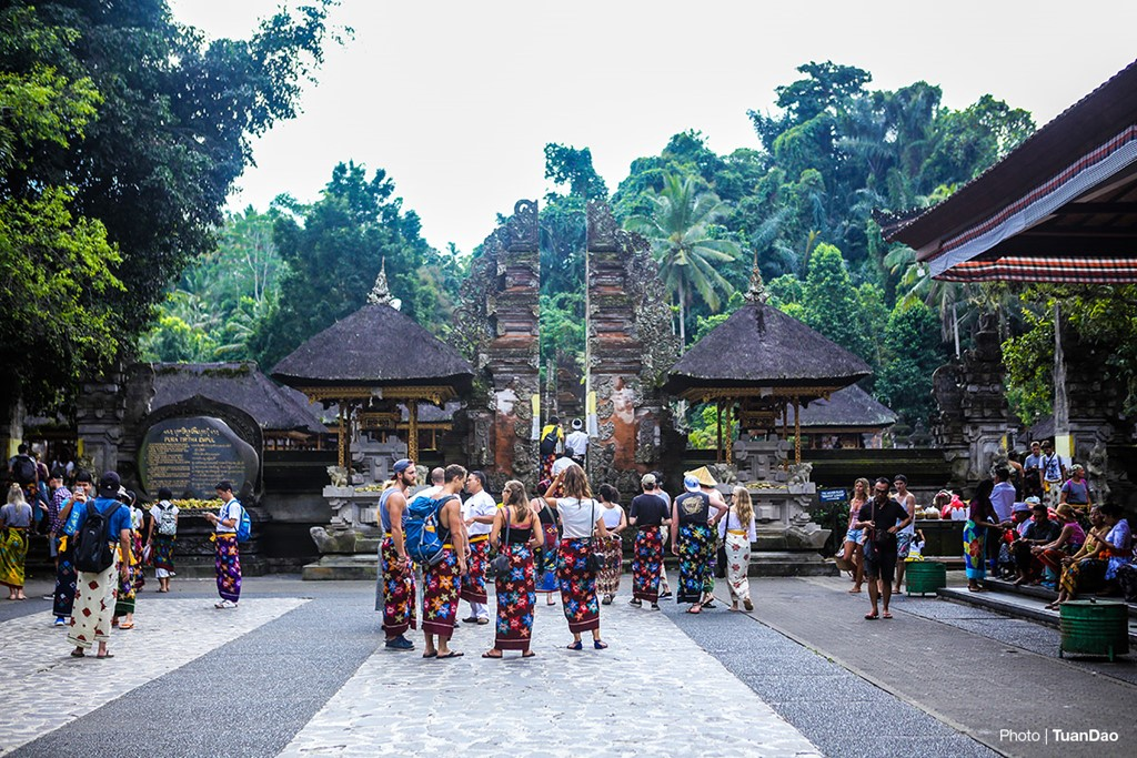 Bathing In Sacred Spring In Bali_a1