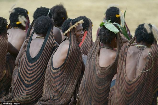 Indonesian Tribe Mummifies Their Ancestors With Smoke_5