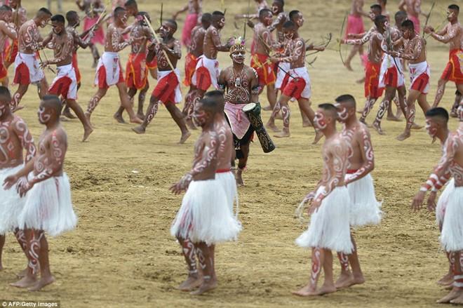 Indonesian Tribe Mummifies Their Ancestors With Smoke_9
