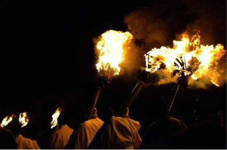 One of the most weirdest festivals in Japan - Set the whole mountain ablaze_5