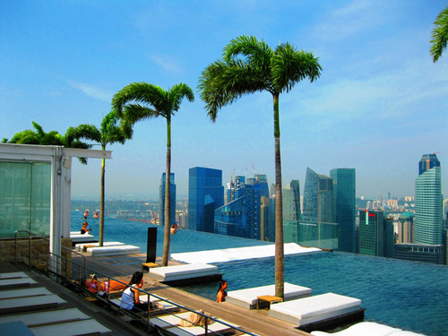 Visit The Gorgeous Infinity Pool In Singapore_2
