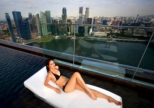 Visit The Gorgeous Infinity Pool In Singapore_3