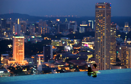 Visit The Gorgeous Infinity Pool In Singapore_5