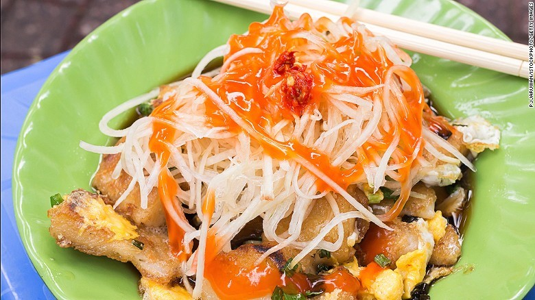 CNN Suggests 10 Must-Try Sidewalk Foods In Vietnam_1