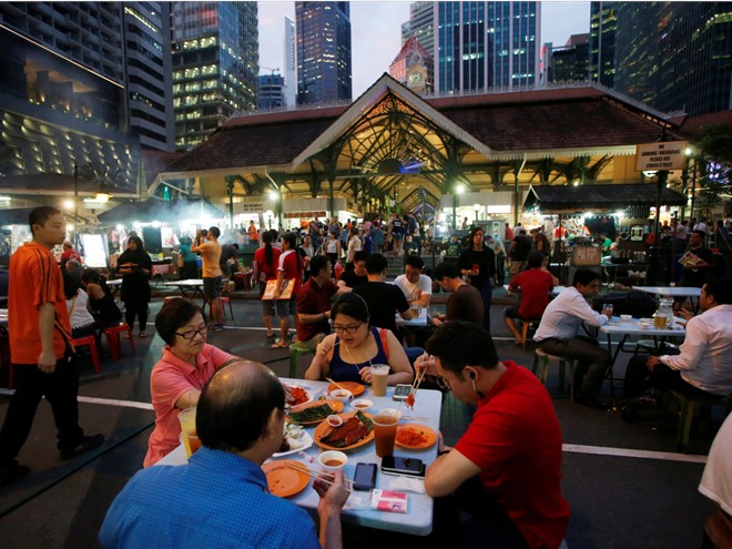 the-attractive-sidewalk-dishes-in-singapore-has-mesmerized-many-tourists-1