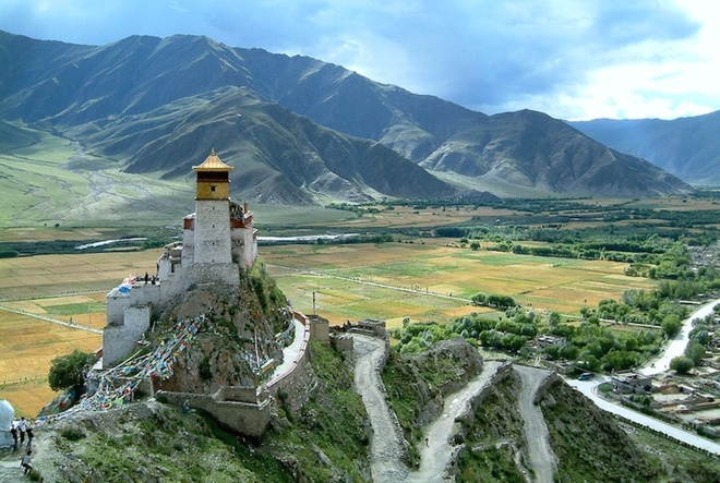 the-most-well-know-monasteries-in-the-world-8