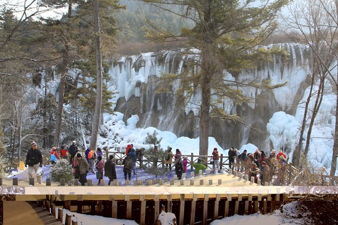Visit The _Paradise On Earth_ Jiuzhaigou In Snowy Season_10