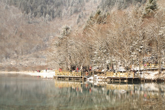 Visit The _Paradise On Earth_ Jiuzhaigou In Snowy Season_8