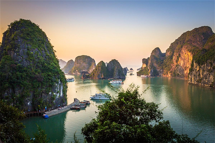 What are the most famous bays in Vietnam? - Halong Bay