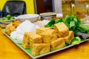 Bun dau mam tom (noodle with fried tofu & shrimp paste)